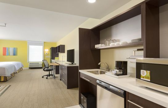 Zimmer Home2 Suites by Hilton Canton