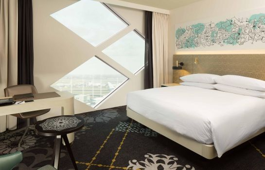 Room Hilton Amsterdam Airport Schiphol