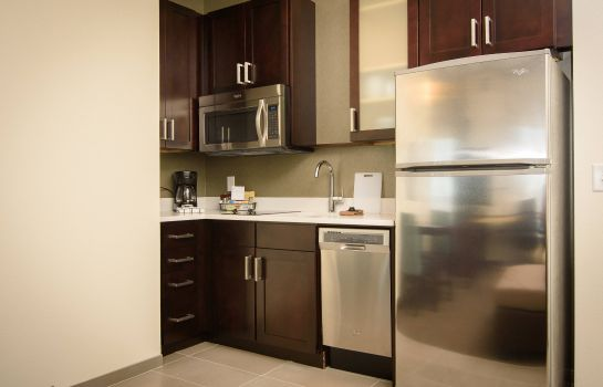 Suite Residence Inn Cleveland Avon at The Emerald Event Center