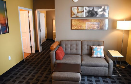 Zimmer TownePlace Suites Lawrence Downtown