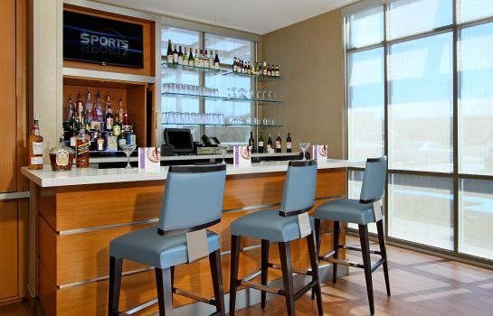 Bar del hotel SpringHill Suites Houston I-10 West/Energy Corridor
