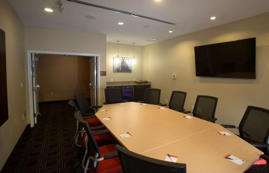 Conference room TownePlace Suites Lincoln North