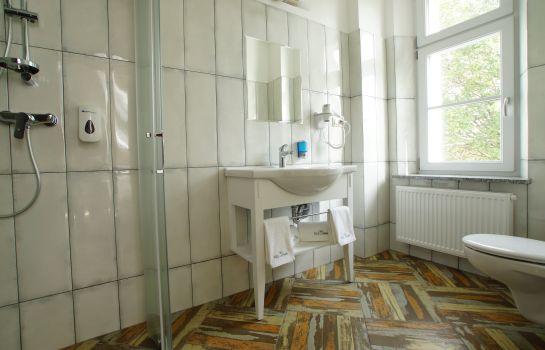 hotel villa la pierre - strzegom günstig bei hotel de, Badezimmer ideen