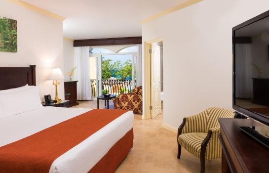 Suite Jewel Paradise Cove Runaway Bay Curio Collection by Hilton