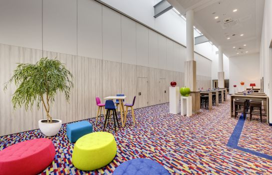 Tagungs-Foyer Park Inn by Radisson Neumarkt