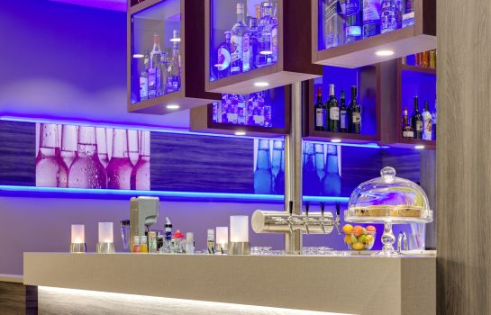Hotelbar Park Inn by Radisson Neumarkt