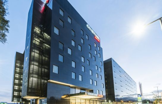 Exterior view Courtyard by Marriott Bogota Airport