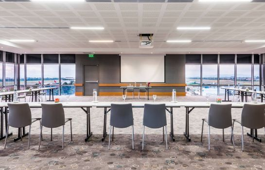 Conference room Courtyard by Marriott Bogota Airport