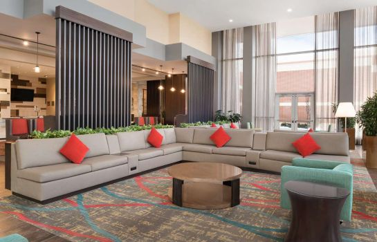 Hol hotelowy Embassy Suites by Hilton Chicago Naperville