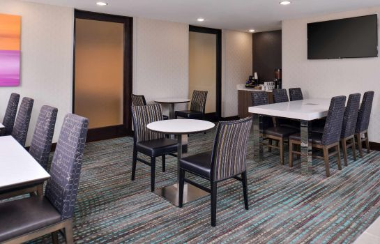 Restauracja Residence Inn Cedar Rapids South