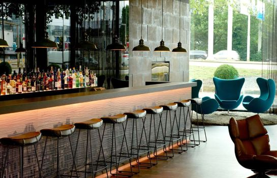 Bar del hotel Motel One Amsterdam