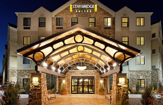 Vista exterior Staybridge Suites MIDLAND