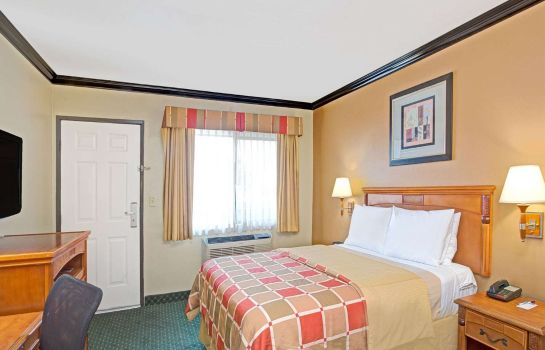 Room TRAVELODGE BY WYNDHAM LAX SOUT