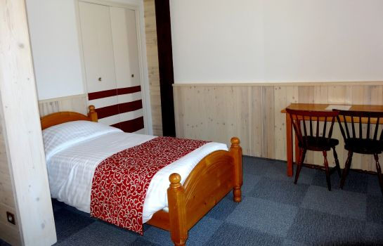 Single room (standard) Hotel les Sapins Logis