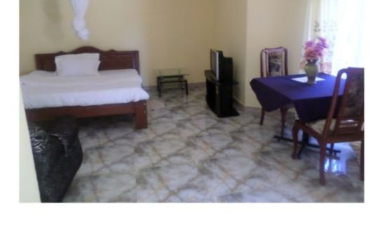 Double room (superior) Gorilla African Guest House