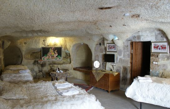 Four-bed room Cave Art Butik Otel