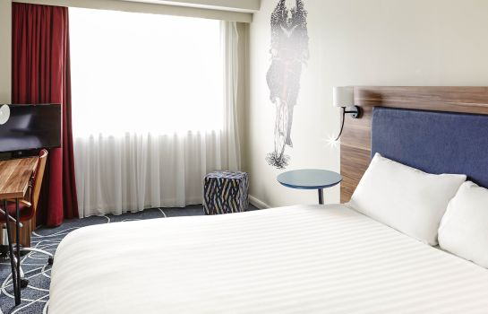 Standard room ibis Styles Birmingham NEC and Airport