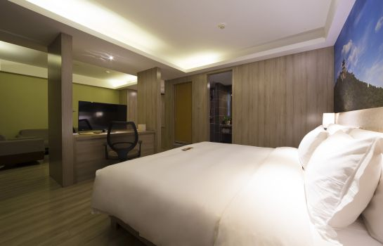 Suite Atour Hotel Economic Development Zone