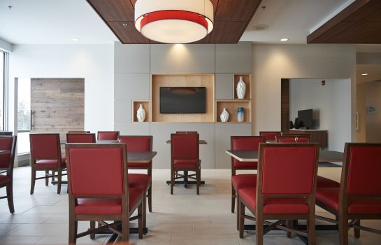 Restaurant Holiday Inn Express & Suites ST JOHN'S AIRPORT