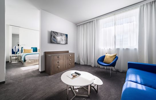 Pokój typu junior suite GOLDEN TULIP EUROMED