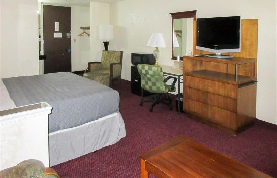 Zimmer Rodeway Inn and Suites Denver