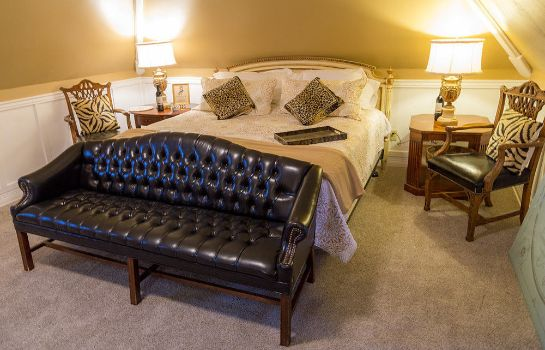 Suite Stay Fairfield - Fairfield Place and Fairfield Manor Bed & Breakfast