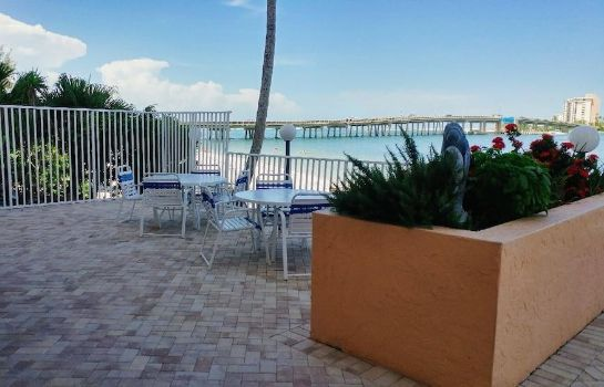 Terrasse Lovers Key Beach Club by Check In Vacation Rentals