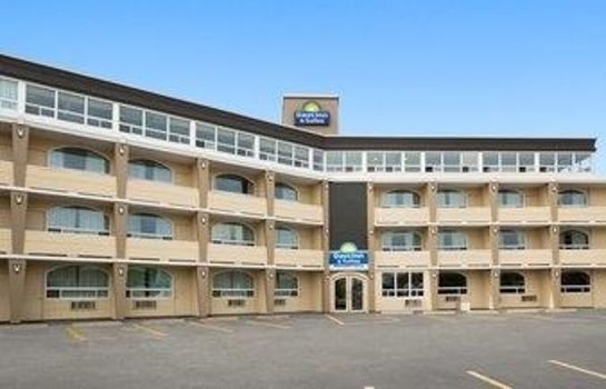 Exterior view Days Inn & Suites North Bay