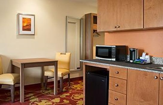Suite Days Inn & Suites Belmont