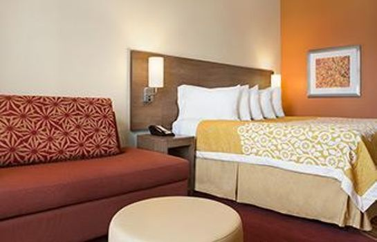 Room Days Inn & Suites Belmont