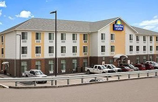 Exterior view Days Inn and Suites Caldwell