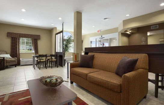 Lobby Microtel Inn & Suites by Wyndham Carrollton