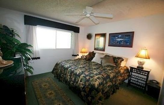 Single room (standard) Menehune Shores 424 2 Bedrooms Condo by RedAwning