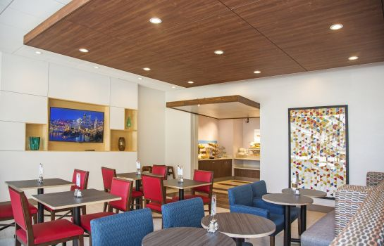 Restaurant Holiday Inn Express & Suites PITTSBURGH NORTH SHORE