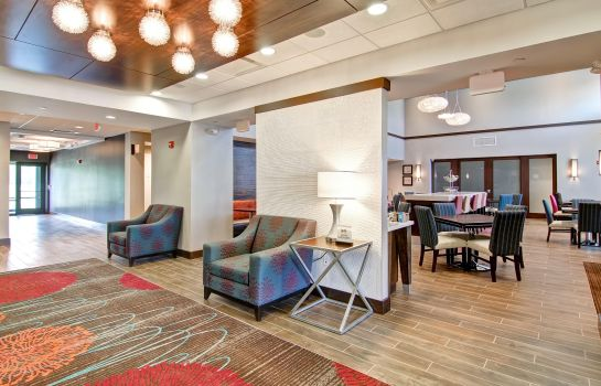 Hotelhalle Hampton Inn - Suites Detroit-Troy