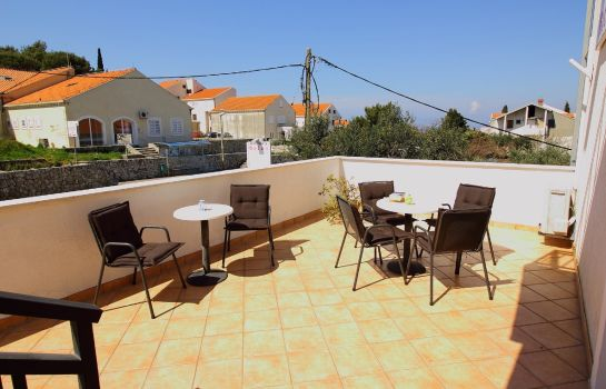 Terraza Bacan Serviced Apartments
