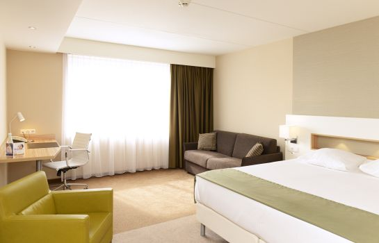 Junior Suite Golden Tulip Amsterdam Riverside