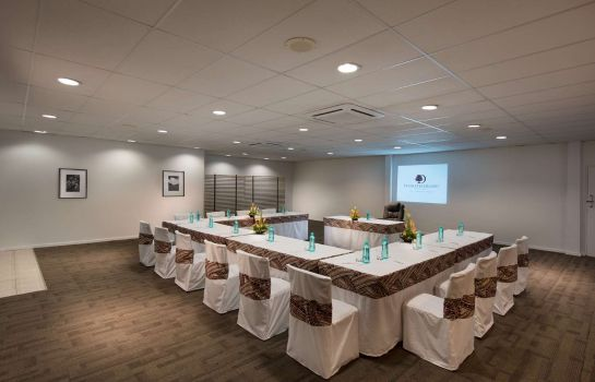 Conference room DoubleTree Resort by Hilton Fiji - Sonaisali Island
