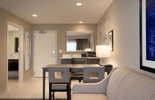 Kamers Embassy Suites by Hilton Kansas City Olathe