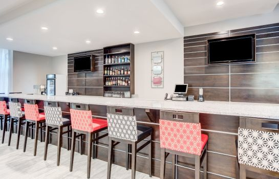 Bar del hotel Holiday Inn & Suites LAFAYETTE NORTH