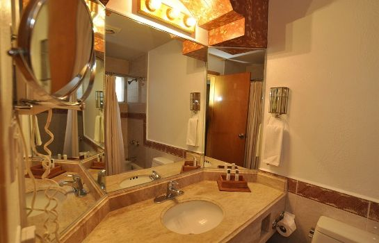 Bathroom Maria Bonita Business Hotel & Suites