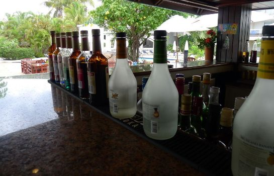 Hotel bar Sapphire Beach Club Resort
