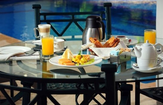 Breakfast room Ambiance Suites Cancun