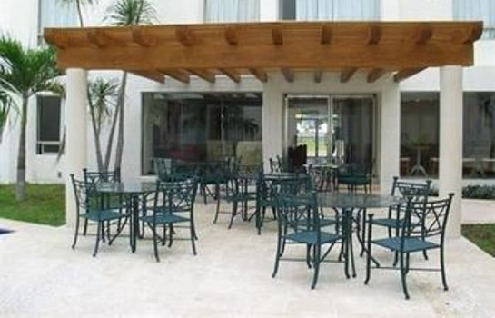 Restaurant Ambiance Suites Cancun