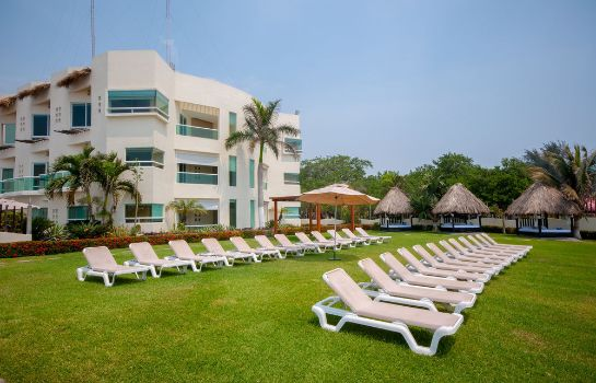 Garden Artisan Family Hotels And Resorts Playa Esmeralda