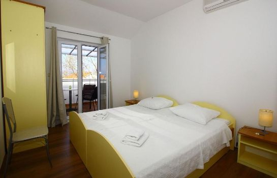 Camera standard Bacan Serviced Apartments