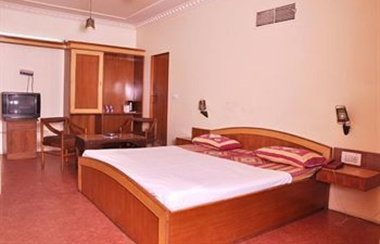 Single room (standard) Hotel Savoy
