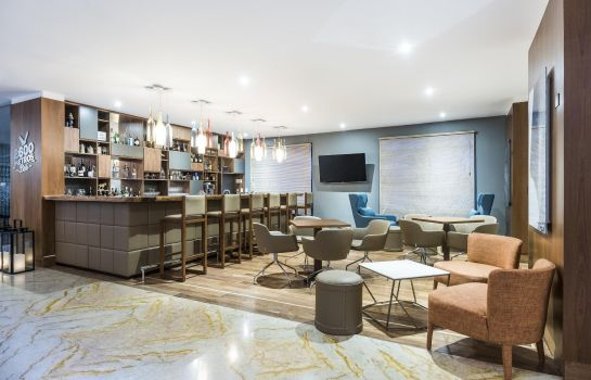 Hotel bar DoubleTree by Hilton Bogota - Calle 100