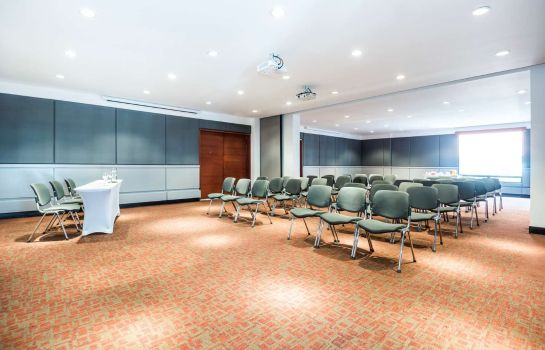 Conference room DoubleTree by Hilton Bogota - Calle 100
