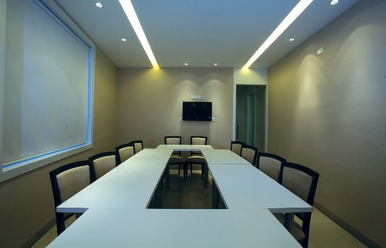 Meeting room Mango Hotels Samed - Agra Sikandara
